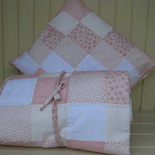 Ditsy Peach Quilt